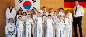 Bericht Header TKD - Guertelpruefung der Kindergruppen und neue Trainer