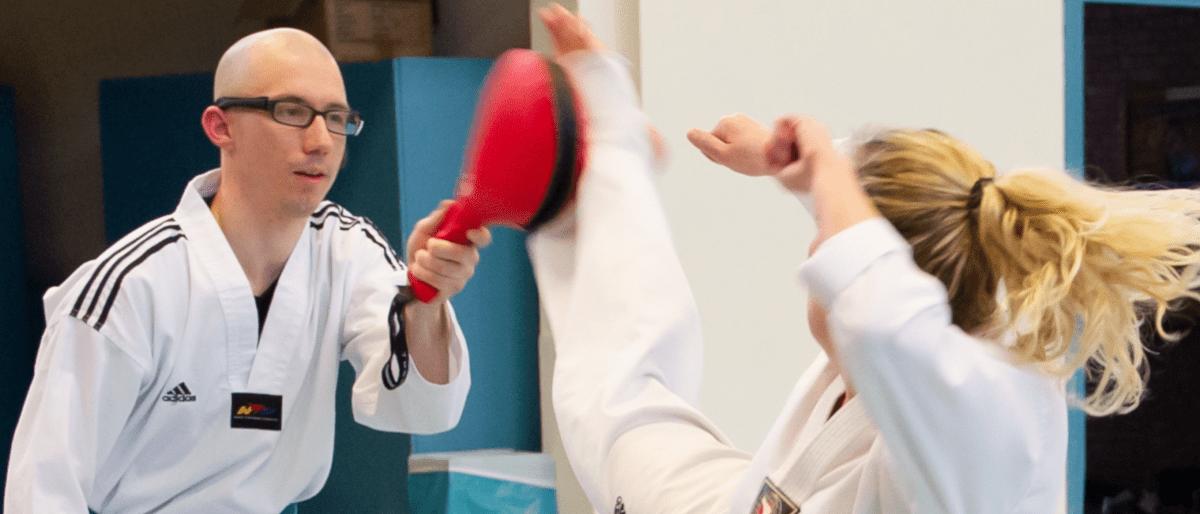 Header Taekwondo - Dennis Breuer