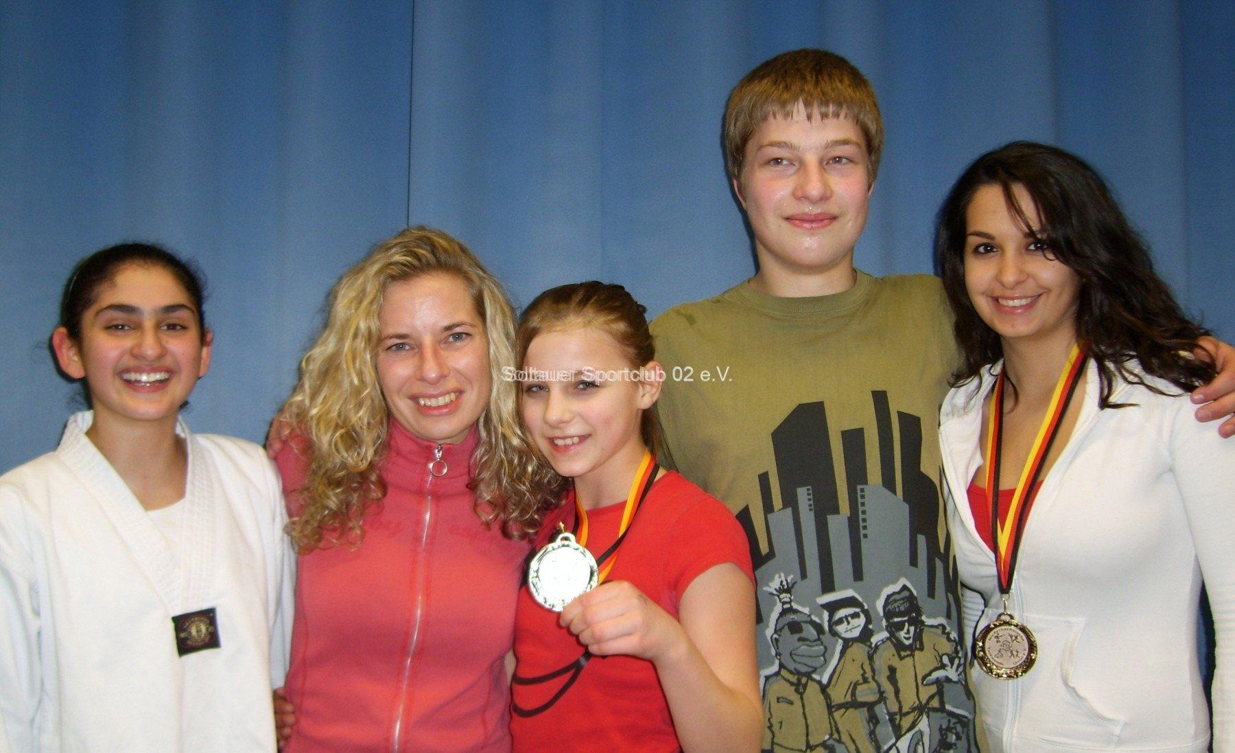 bericht-bild-tkd-soltauer-taekwondo-kaempfer-holen-5-medaillen